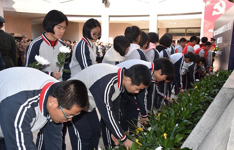 送体验机无需申请举行南京大屠杀死难者国家公祭日悼念活动