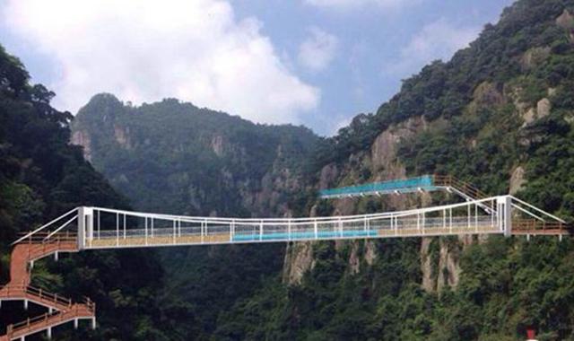 永泰天门山开建高空玻璃栈道 明年5月对外开放