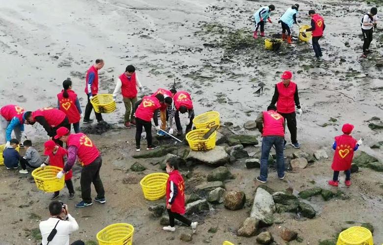世界地球日 石狮净滩活动清理7吨海洋垃圾