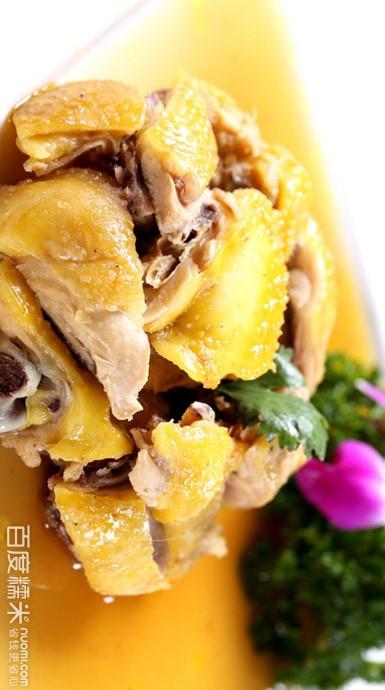 閩西菜      閩西菜以烹制山珍野味見長,特點是濃香醇厚。
