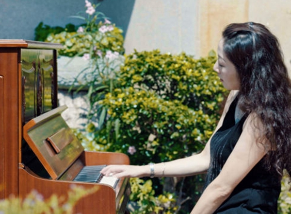 快看!新华社在鼓浪屿搞了场钢琴快闪