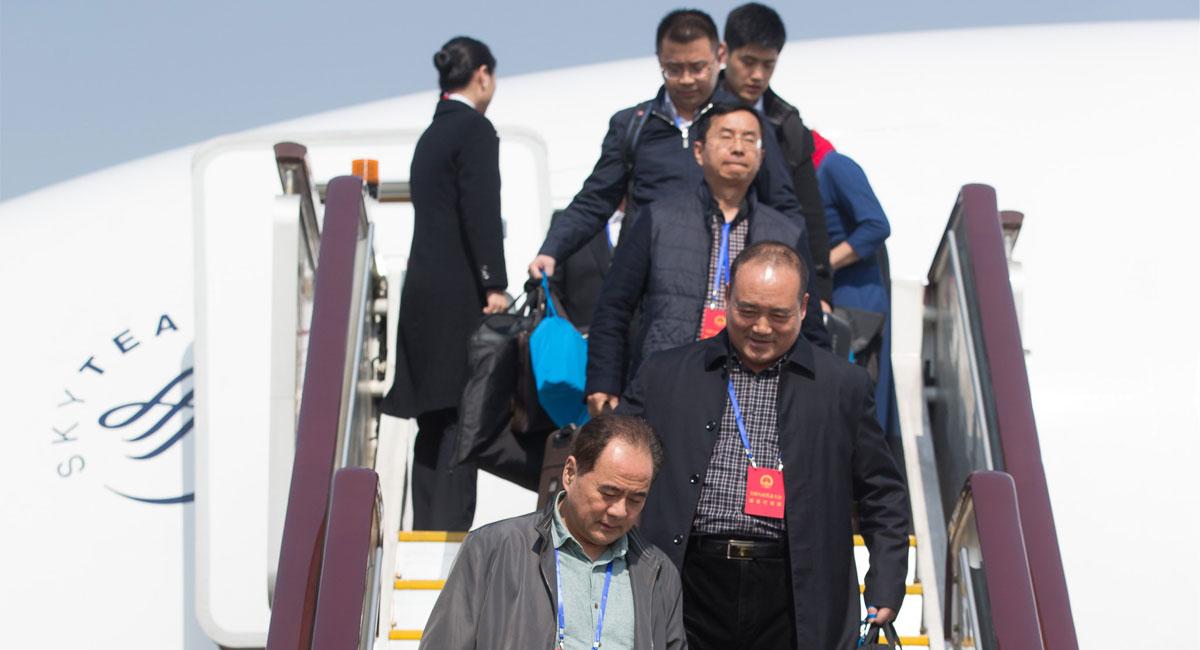 福建代表团抵京