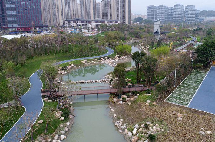 福州凤坂一支河生态治理陆续启动 已建成850米招牌景观