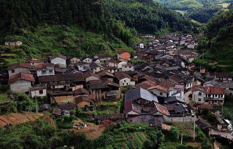 走出深閨的千年古村落——橫坑村