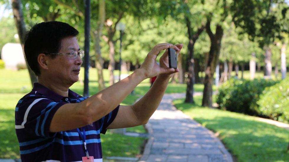 """退休教师陈磐:我在南湖公园当""""园长"""""""