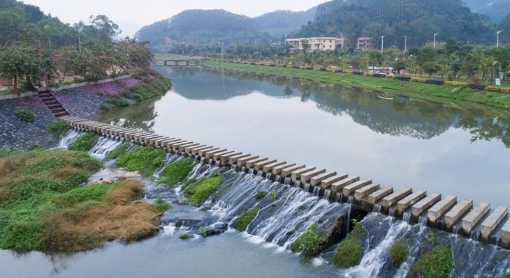 治理後的龍海市九九坑溪雙第華僑農場河段(資料圖)