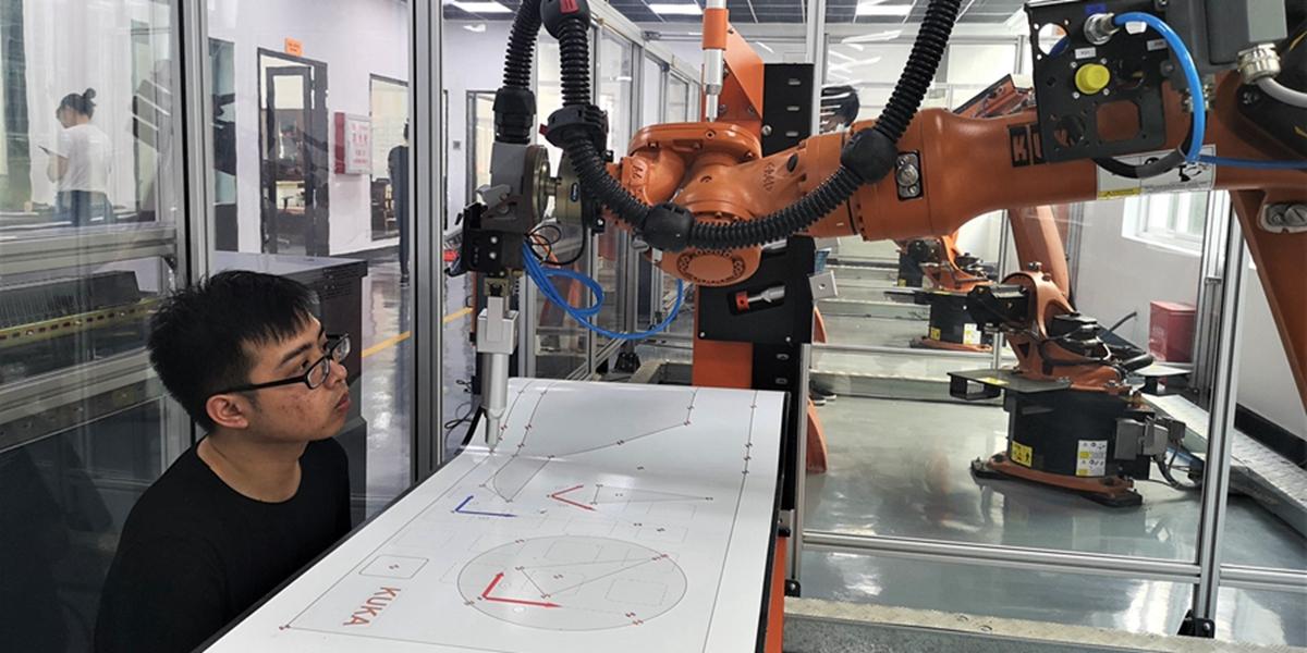 """泉州有個地方專給特種機器人做""""體檢"""" 全國僅此一家"""