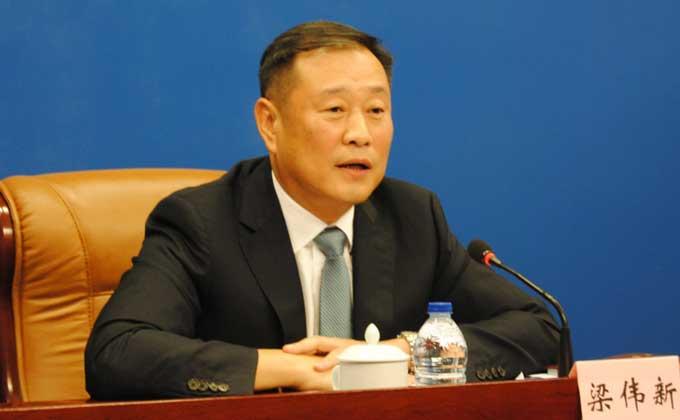寧德市委副書記、市長梁偉新回答記者提問