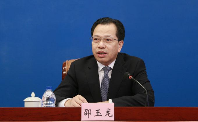 漳州市委書記邵玉龍在會上介紹漳州經濟社會發展情況