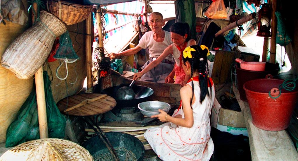 """曾經,福安市溪邳村連家船民過著""""水上漂""""的生活。"""