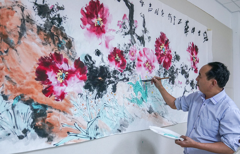 """【組圖】國畫:水仙牡丹""""同框""""爭艷"""