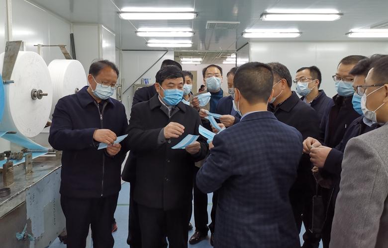 """福(fu)建""""一企一策""""助(zhu)醫用防護品企業復產"""