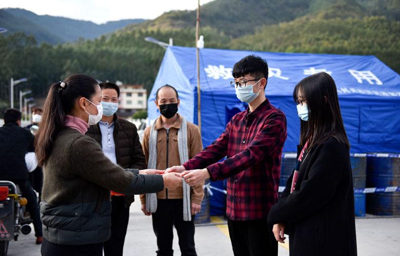 福建永春:疫情防控一線的別樣訂婚禮
