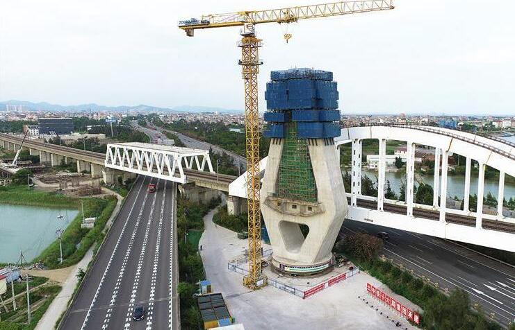 新建福廈高鐵重點控制性工程木蘭溪特大橋主塔成功轉體