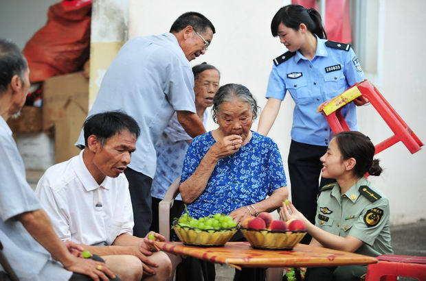 福建:普及新《老年法》 關愛身邊老人