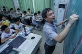 【教师故事一】失去视力后,他坚守讲台9年